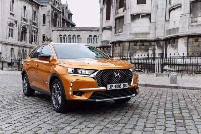最豪华的汽车_2.0T+8AT最大224马力带四驱,豪华中型SUV就买它!