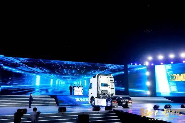 陕汽德龙X6000 国产高端重卡登上世界舞台