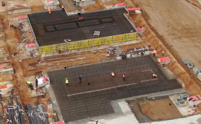 特斯拉柏林工厂建造巨型地基 暗示也将安装超级压铸机