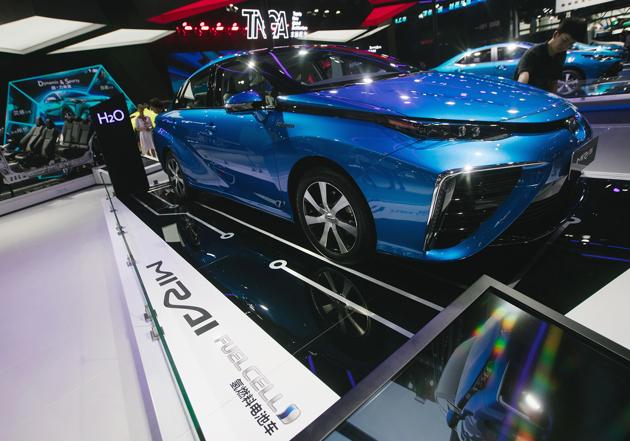2020年氢燃料电池汽车推广应用量翻番 产业化还得爬坡过坎