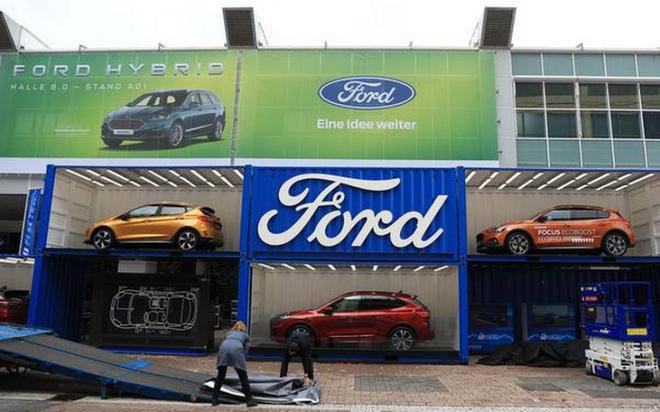福特评级被惠誉下调至最低投资级 关闭工厂预计损失80亿美元