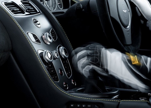 坚持换挡乐趣 阿斯顿马丁Vantage AMR将提供手动变速箱