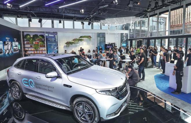 继保时捷推迟Taycan后 奔驰纯电动SUV EQC推迟一年上市