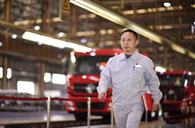 两会|王建清、杨祉刚:加快落实制度保障工匠精神传承