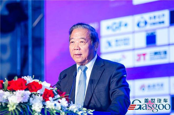 中国汽车工程学会名誉理事长,中国人才研究会理事长 付于武