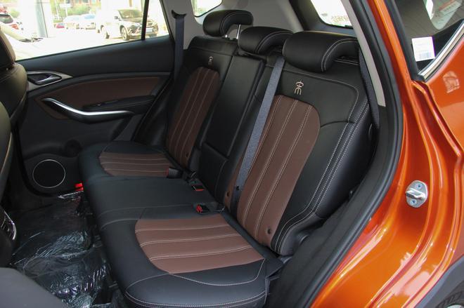 相对论 比亚迪宋EV400对比荣威ERX5 EV400