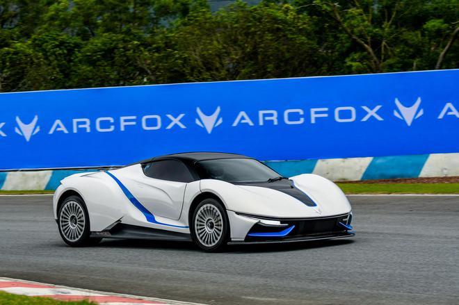 全球首款纯电动GT跑车ARCFOX-7