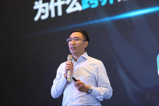 朱江明:电子硬件和软件占智能电动汽车主要部分