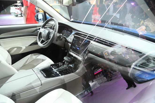 预售12-17.5万元 广汽传祺全新GS5亮相