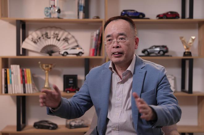 新浪年度车评委、寰球汽车董事长兼CEO吴迎秋接受新浪专访
