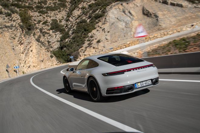 满足所有需求 西班牙赛道试驾全新保时捷911