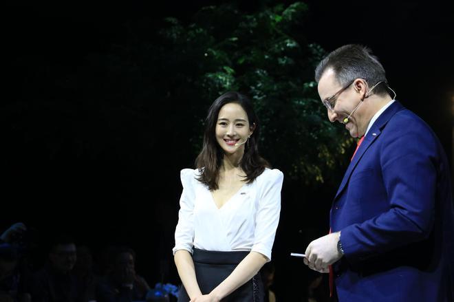 特邀嘉宾 张钧甯