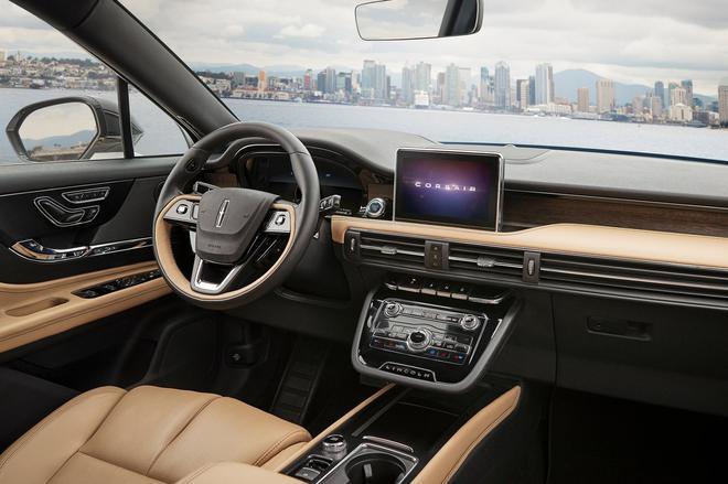 林肯全新中型SUV亮相 22万元起售