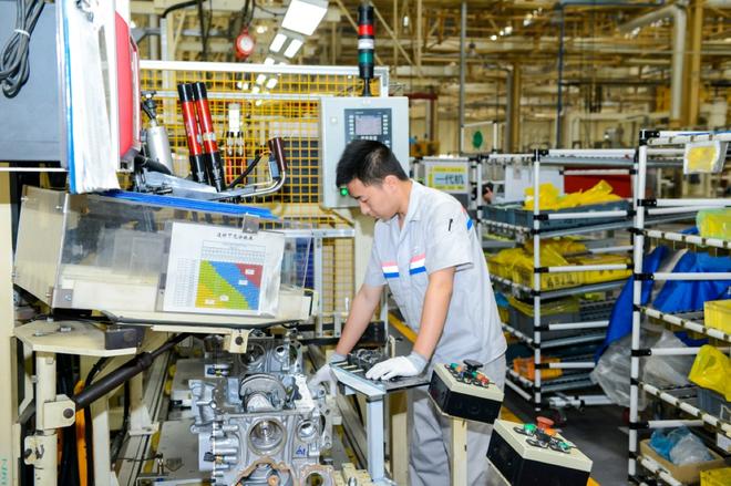 源自欧洲、返销欧洲 东风标致襄阳工厂第27万台230THP发动机下线