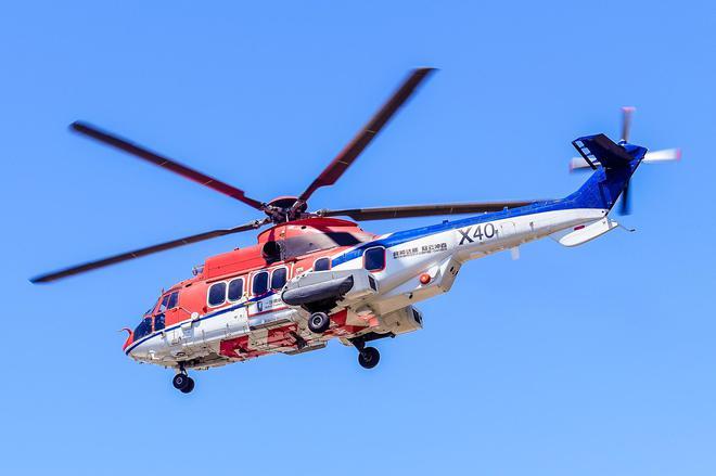 用来实施空投投放的空客H225直升机