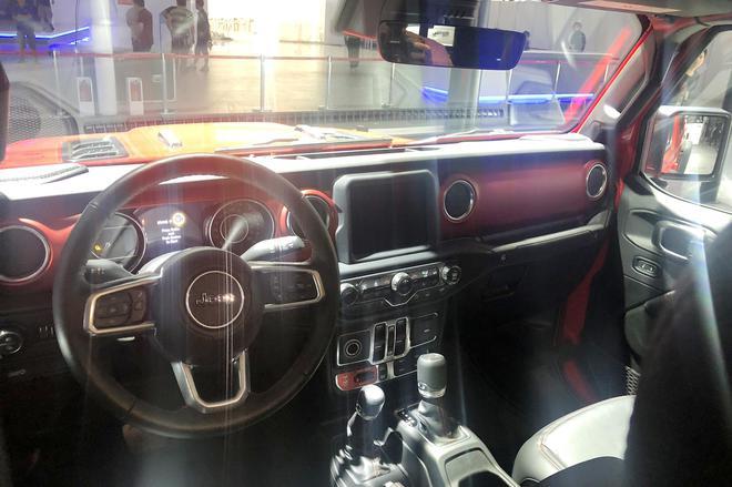 2019成都车展探馆:新款Jeep自由侠