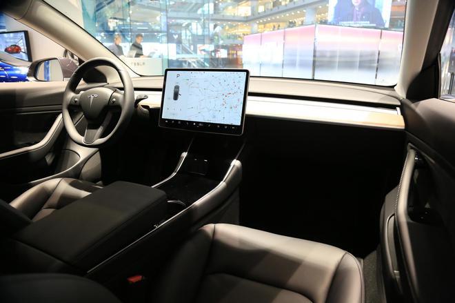 國產特斯拉Model3亮相 明年1季度開始交付