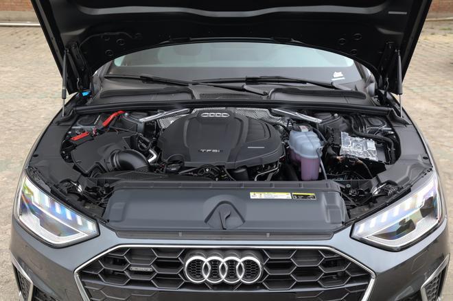 教你花40万买个RS4 全新奥迪A4L购车手册