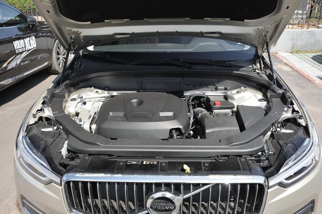 豪华品牌顶配之争 中型5座SUV实力颜值并举