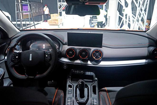 2020广州车展探馆:2021款VV5元气橙版亮相