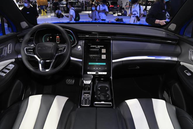 2020广州车展:上汽荣威新款RX5 MAX正式上市