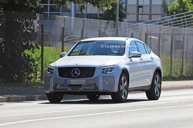 奔驰新款GLC Coupe谍照曝光 搭载不同调校2.0T发动机
