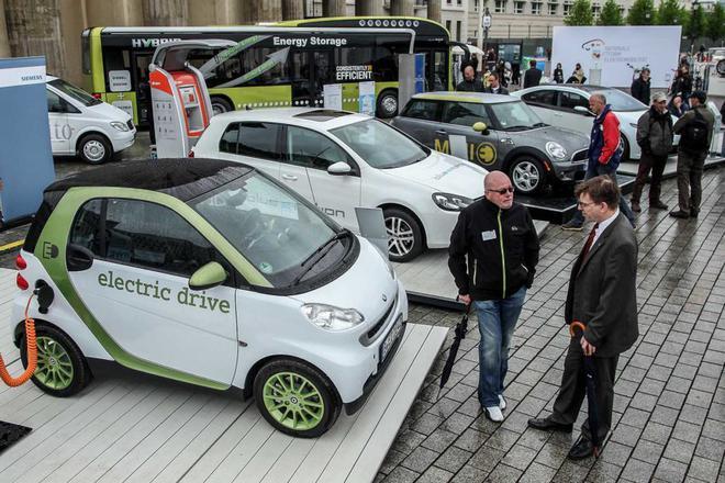 默克尔:德国电动汽车补贴不会一直进行