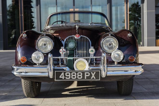 """捷豹经典车型XK150S则被评为""""50年代最梦幻座驾"""""""
