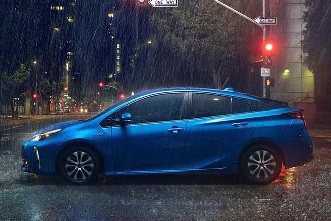 增加四驱车型 2019款丰田普锐斯官图发布