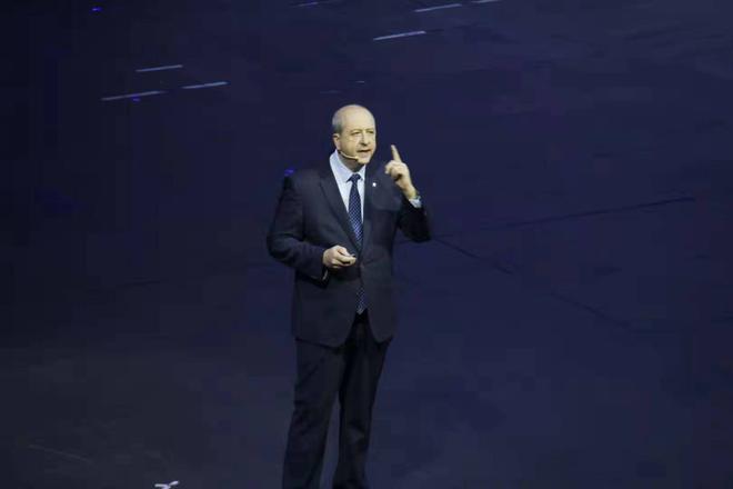 PSA集团标致品牌全球总裁安巴托