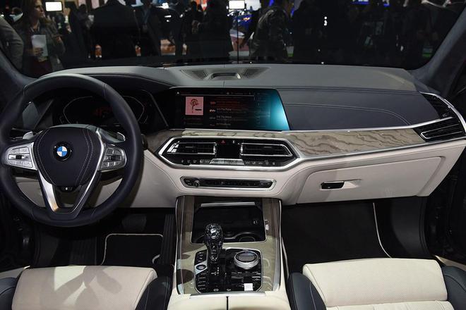 全新旗舰SUV BMW X7将于4月15日上市 汽车殿堂