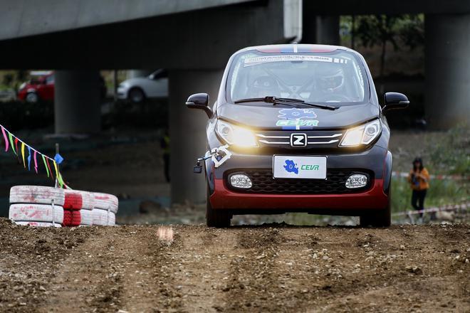 第六届环青海湖(国际)电动汽车挑战赛短道拉力赛环节赛车