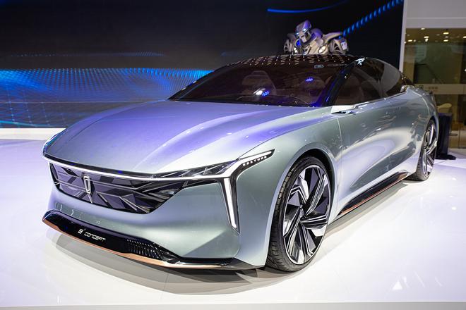 """奔腾发布""""光影哲学之性感曲面""""设计语言 全新概念车B² Concept正式亮相"""