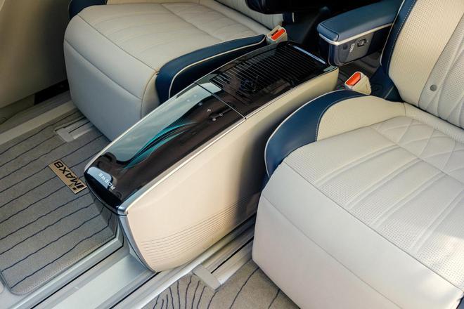 新国潮下的智能座舱 荣威iMAX8设计鉴赏