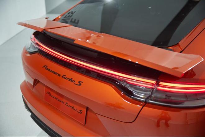 2020北京车展:百公里加速仅3.1秒 保时捷Panamera发布