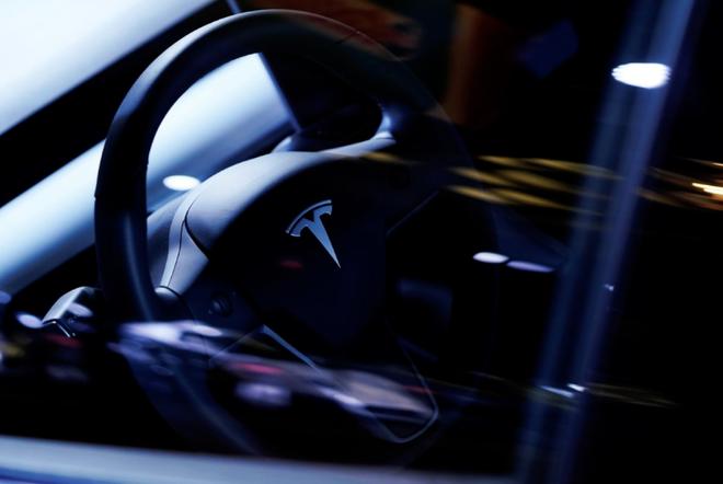 特斯拉Model S和Model X电池组存缺陷可引起火灾  遭NHTSA调查