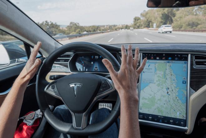顶级算力加持下的特斯拉 为何自动辅助驾驶状况百出?
