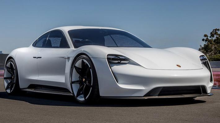 保时捷首款纯电动跑车命名Taycan明年入华