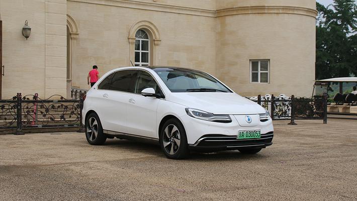 续航400km+纯电动车之间的对决 谁更有优势?