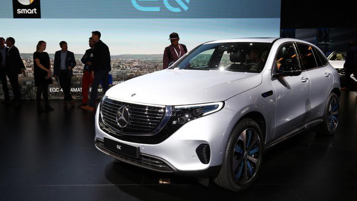 实拍|奔驰EQC 该品牌首款量产纯电动车型