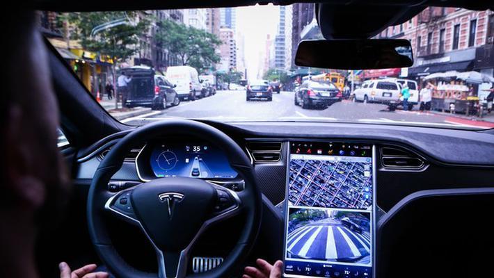 特斯拉于北美上线新版驾驶员辅助功能 国内用户暂未升级