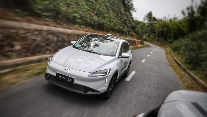 它是年轻人的首台纯电动车 试驾小鹏G3