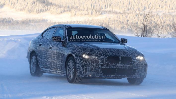 曝BMW i4最新谍照 纯电动轿跑/基于CLAR平台打造