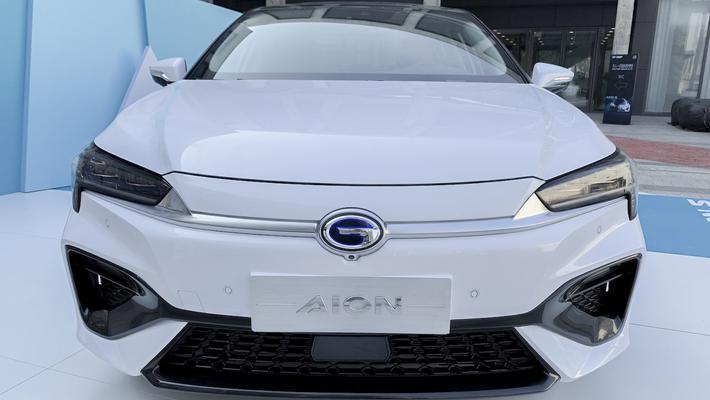 吉利GE11对比广汽新能源Aion S