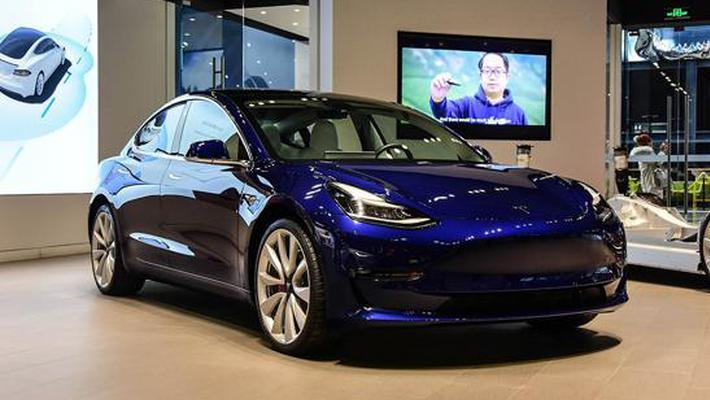 特斯拉Model 3到店实拍 未来只卖20多万您心动?