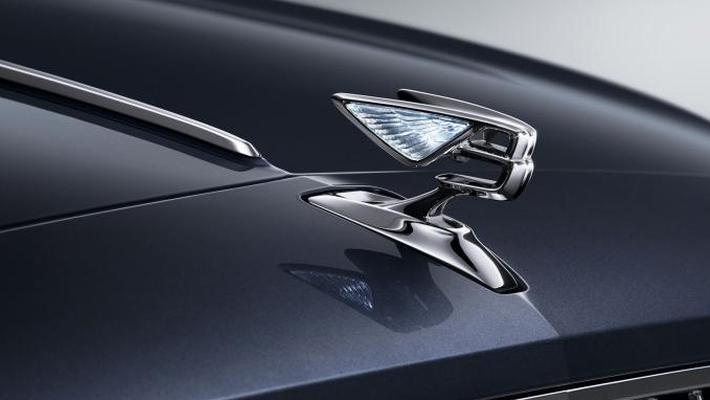 艾德恩·霍马克:宾利将于2025年推出首款电动车