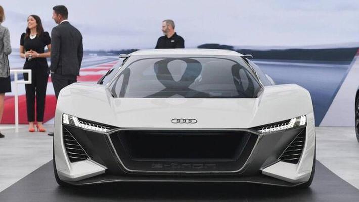 与Taycan同平台 奥迪或推纯电超跑e-tron GTR