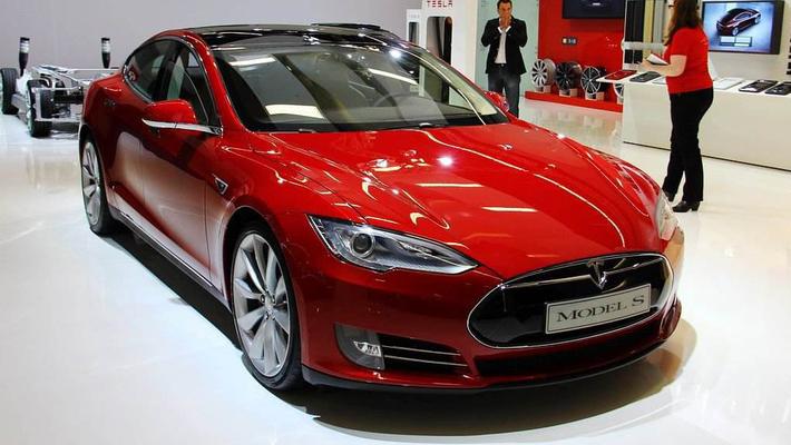 又一辆特斯拉Model S在旧金山车库发生自燃