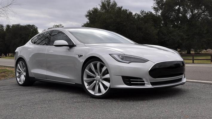 还敢买电动车!特斯拉Model S又自燃爆炸了