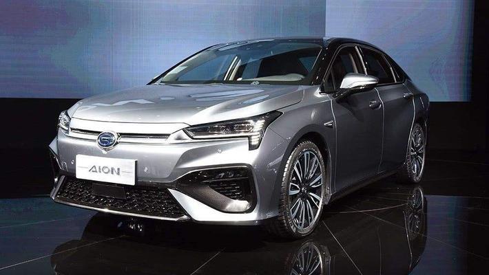 续航里程超400km 价格在15万元左右的纯电动轿车推荐